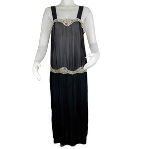 Leelee Black Lg Negligee/Nightgown NWT